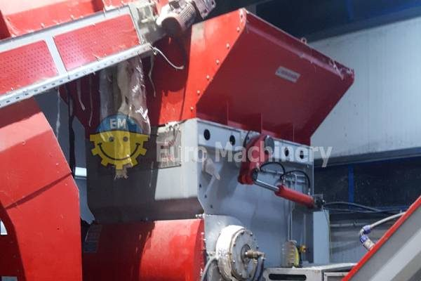 Plastic Waste Shredder for processing PE flim and extracts. Can output 700 kg/h. Ustun Is SHD S120. Used recycling machines for sale. Euro machinery